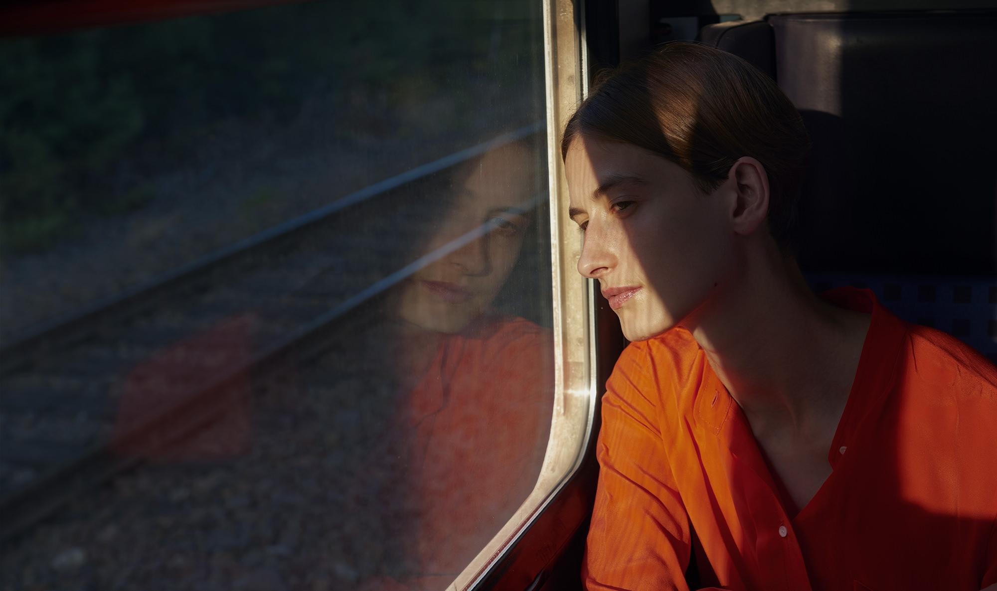 sonjamueller_lifestyle-portrait_train__000764 1